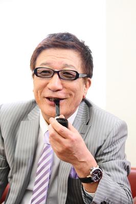 頭脳明晰で経歴も華やかな吉村知事