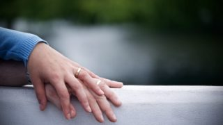 亜美 旦那 🐝鈴木 の 鈴木亜美の旦那の職業や年収は?馴れ初めや結婚生活、子供など