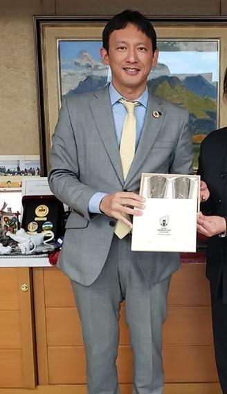 小野泰輔の経歴は全国最年少副知事就任!