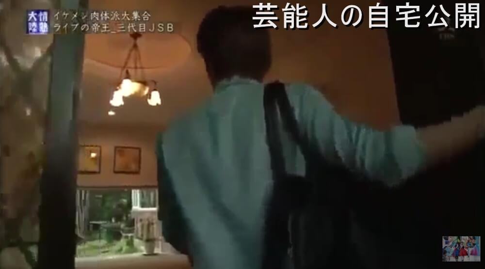 岩田剛典の実家は靴屋マドラス社と湯之島館を経営!豪邸も半端ない!